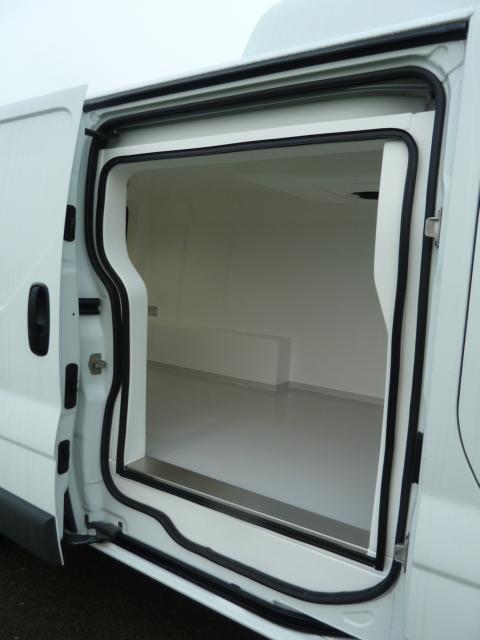 utilitaire ford d 39 occasion 408 kilom tres diesel v hicule isotherme frigorifique pas cher. Black Bedroom Furniture Sets. Home Design Ideas