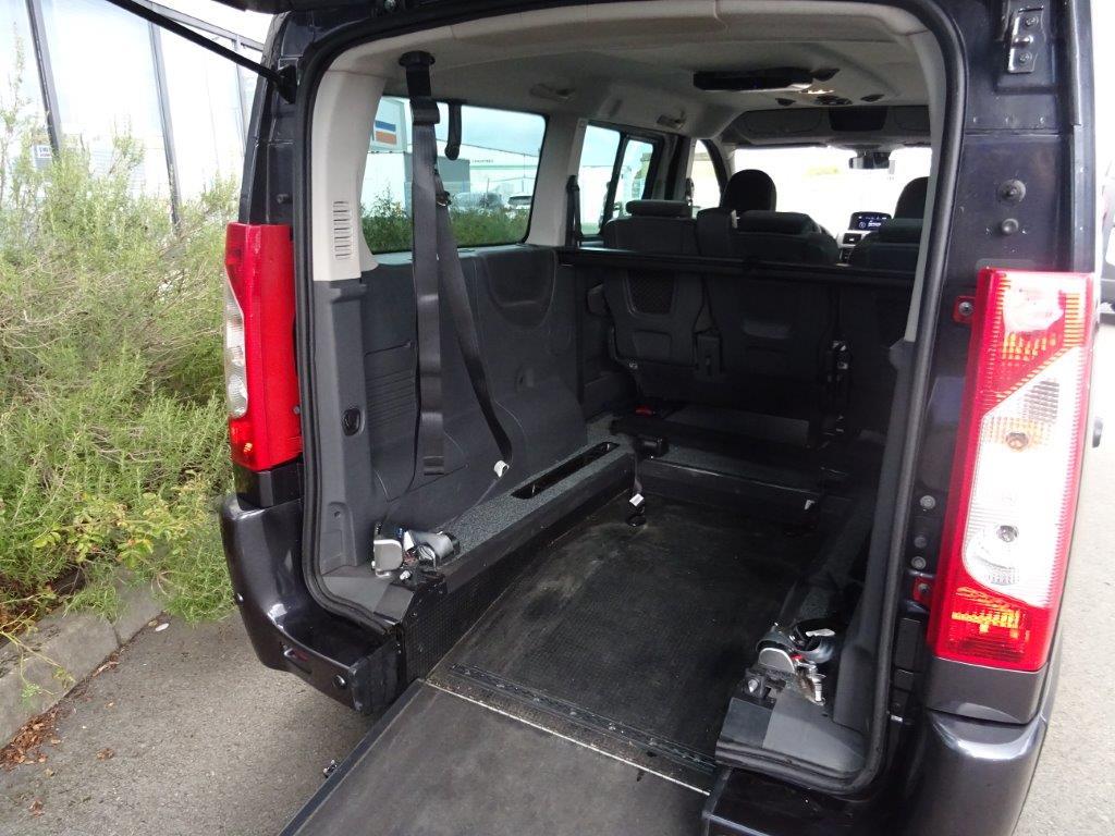 utilitaire peugeot d 39 occasion 9856 kilom tres diesel. Black Bedroom Furniture Sets. Home Design Ideas