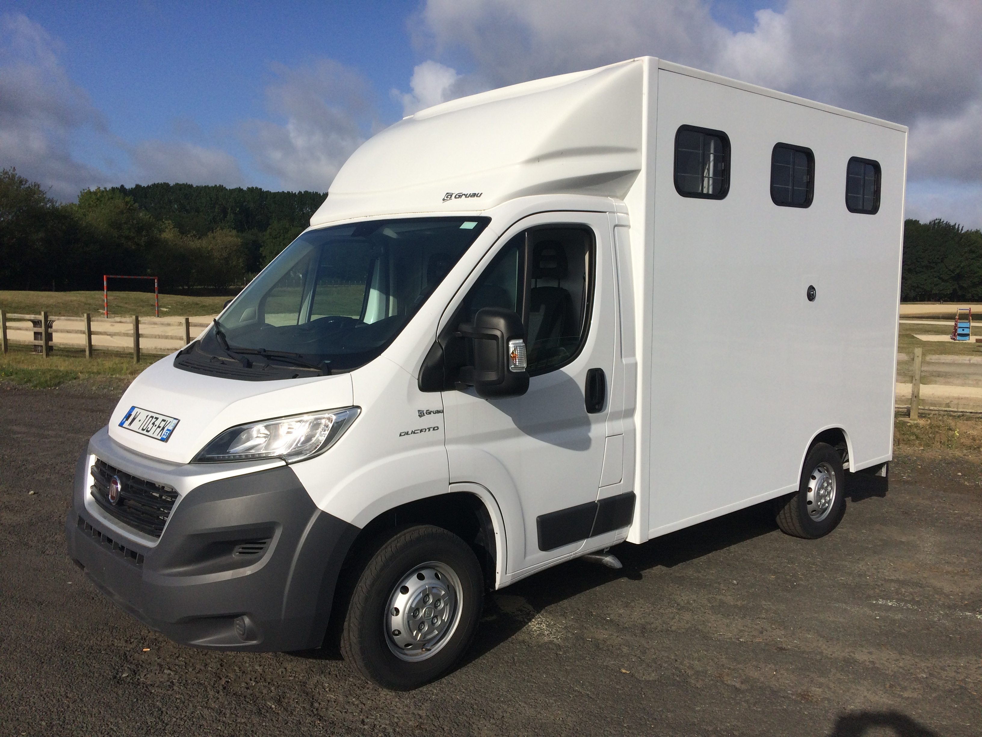 utilitaire fiat ducato pack pro 150 cv d 39 occasion 10 kilom tres diesel benne plateau. Black Bedroom Furniture Sets. Home Design Ideas